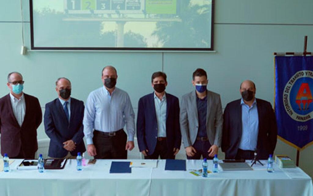 ATTT y Panamá en Bici firman convenio de trabajo